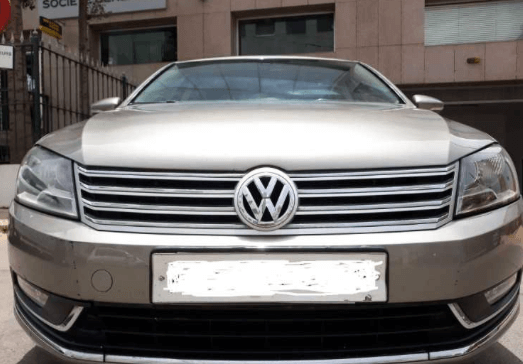 Volkswagen Passat 2L Diesel Model 2012 W Maroc 8Ch