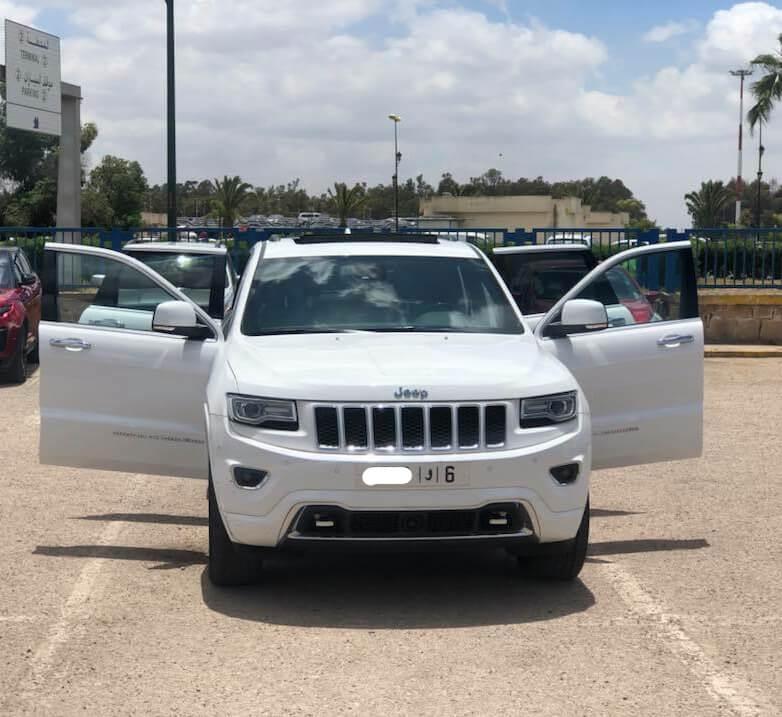 Jeep blanche à louer