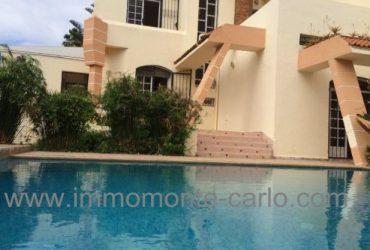 Jolie villa avec piscine à rabat Souissi