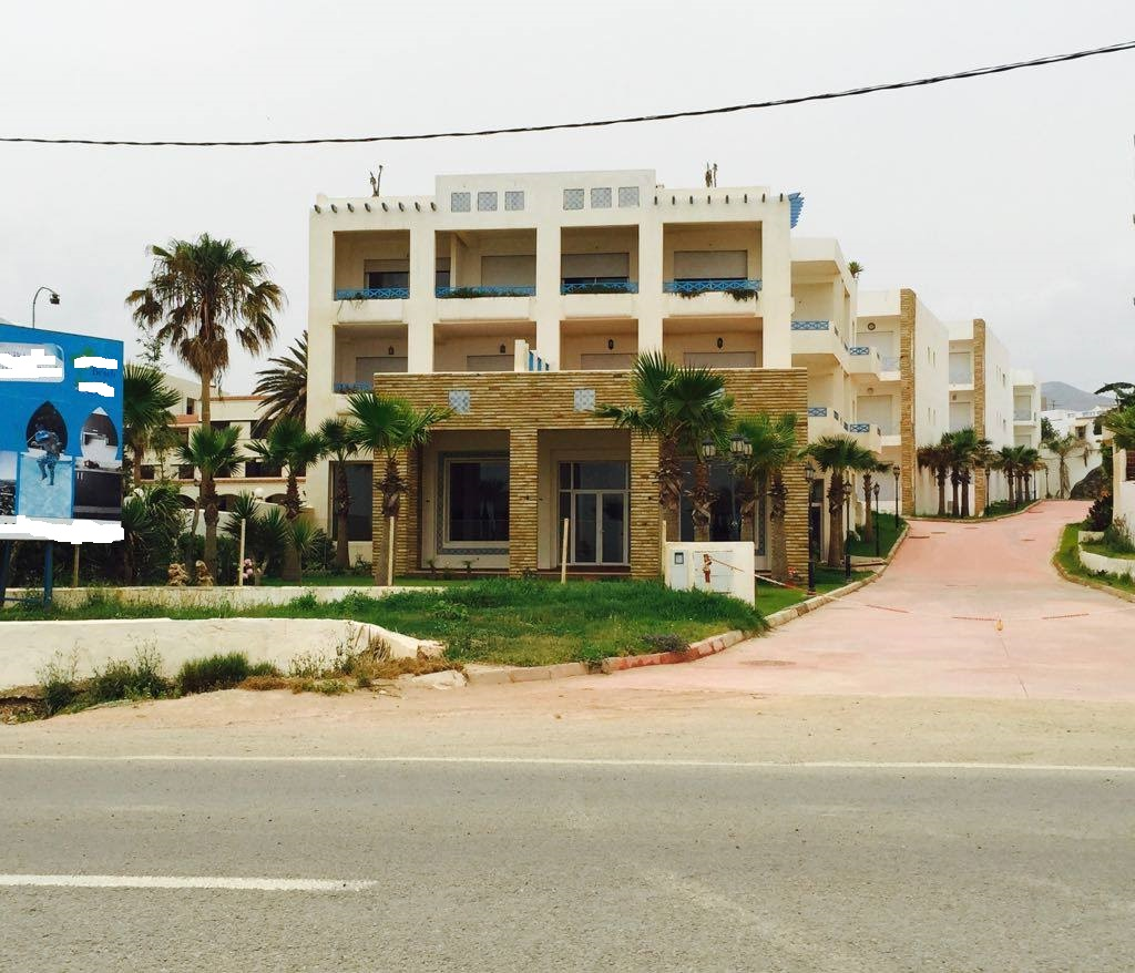 Restaurant neuf De 650m² À Azla Beach