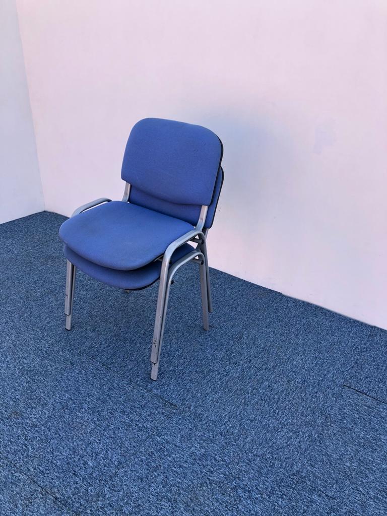 Chaise visiteur fixe iso bleu
