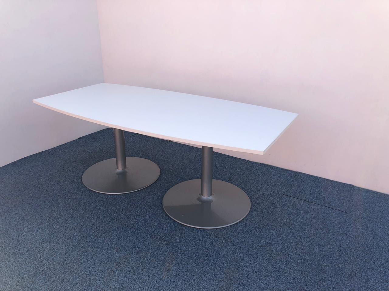 Table de réunion tonneau 200×100 pied tulipe