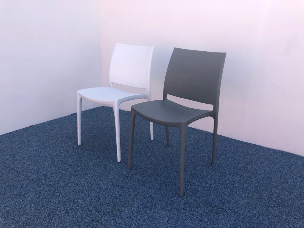 Ensemble 2 chaises design PVC