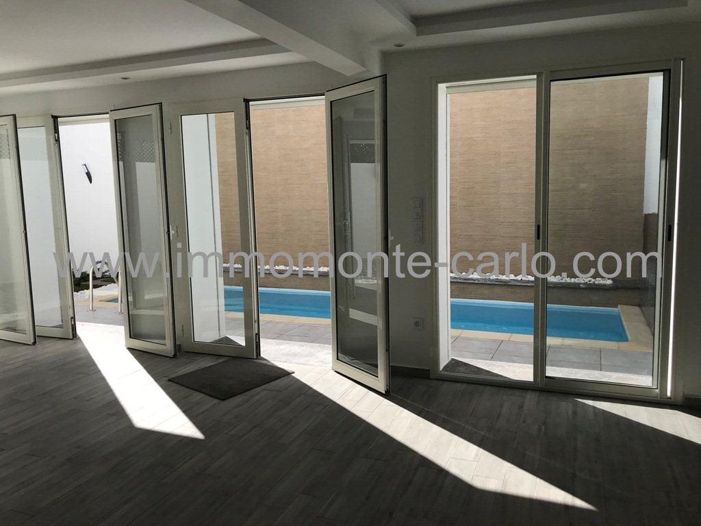 villa neuve haut standing avec piscine à Hassan