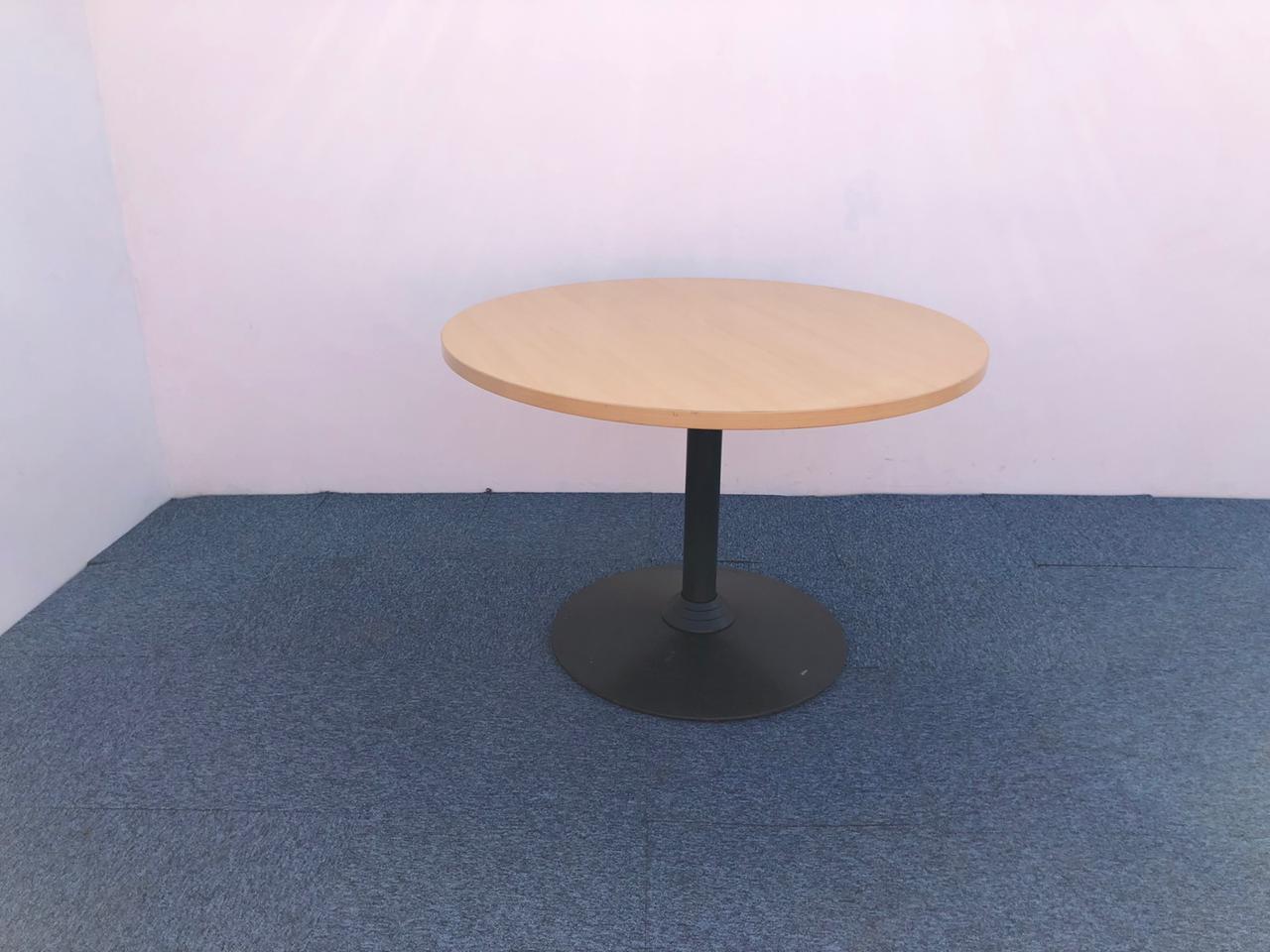 Table ronde Steelcase couleur hetre 100cm