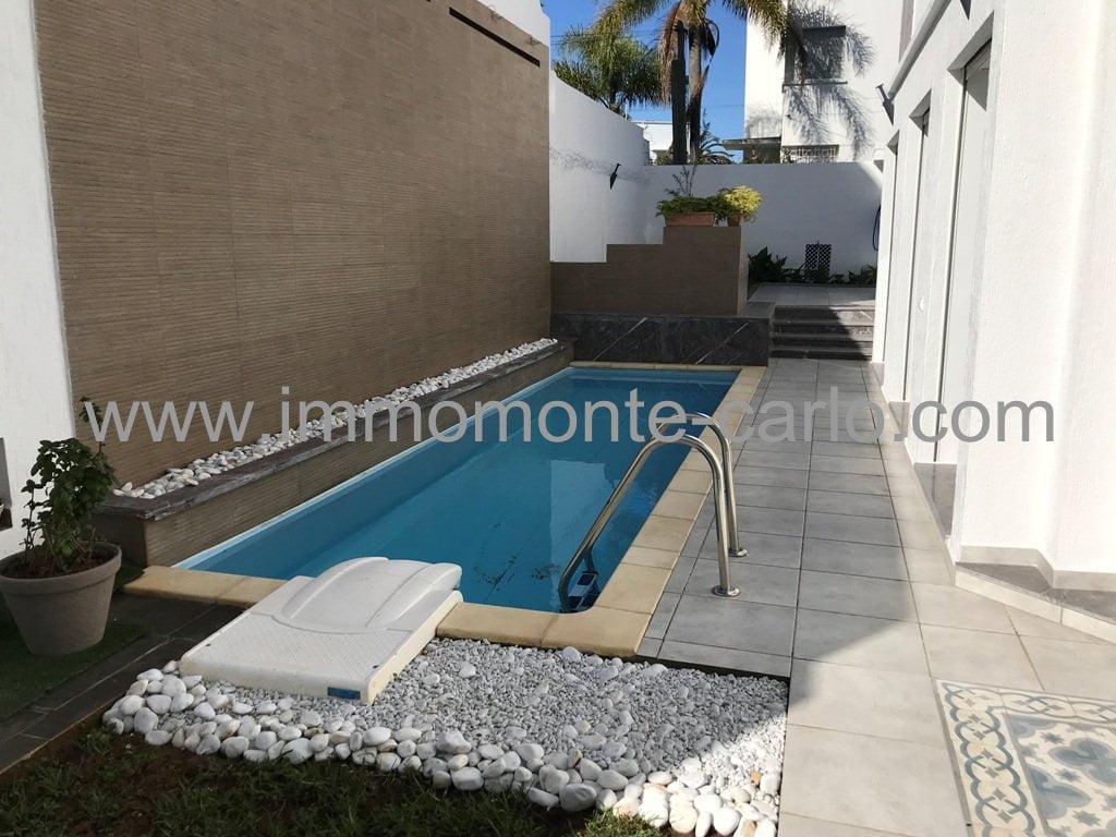 À louer villa neuve haut standing avec piscine à Hassan Rabat