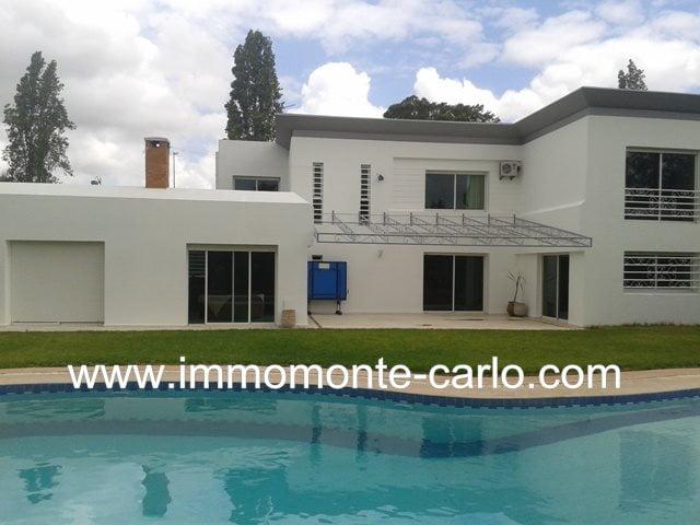 villa  haut standing avec piscine à Souissi