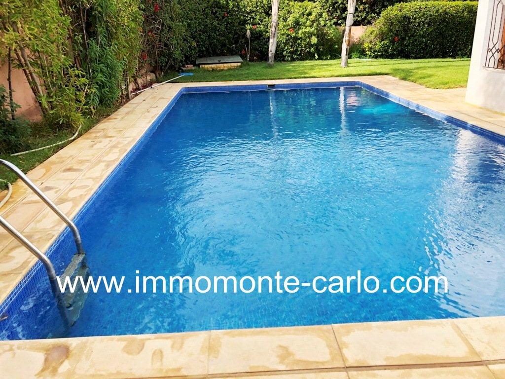 villa avec piscine à  louer à Souissi
