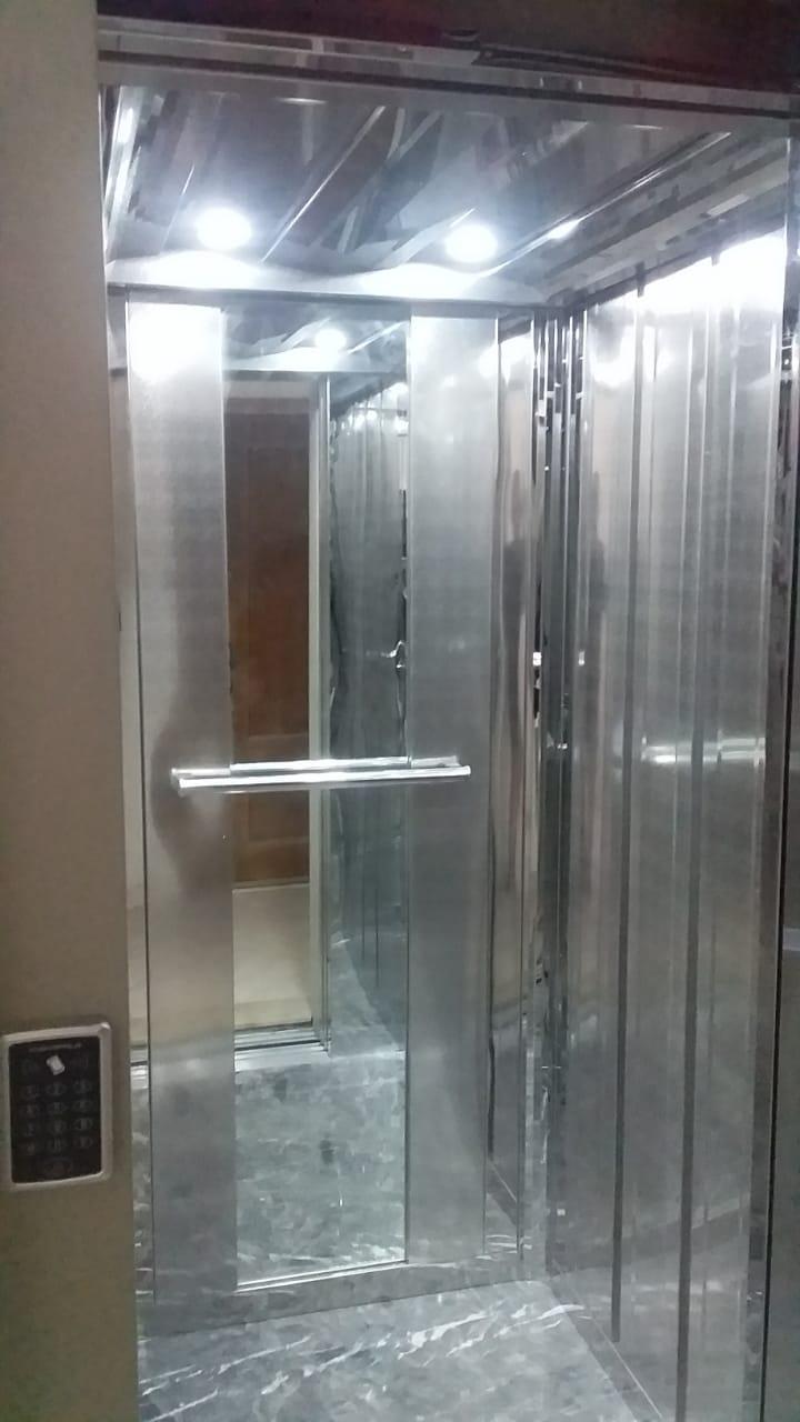 شقق فاخرة مجهزة بالمصعد للبيع شارع محمد الخامس