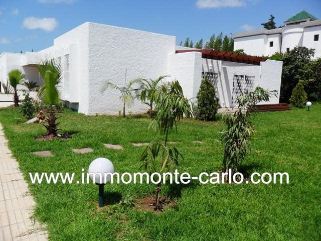 Superbe villa à louer à  Souissi Rabat