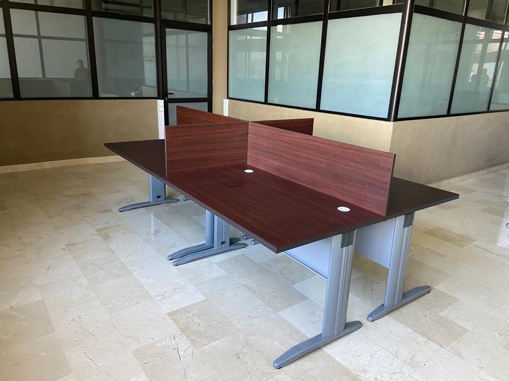 Bureau bench 140 cm 4 postes plus 4 caisson offert