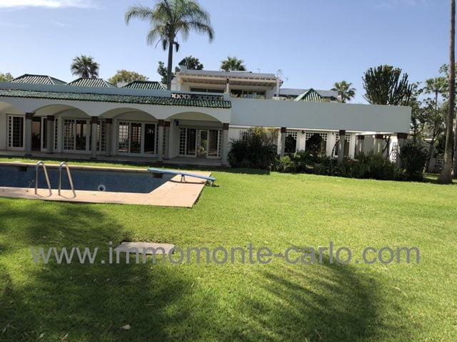 Villa  à louer avec chauffage central et piscine à souissi Rabat