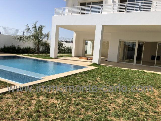 Villa haut standing neuve avec piscine à Souissi