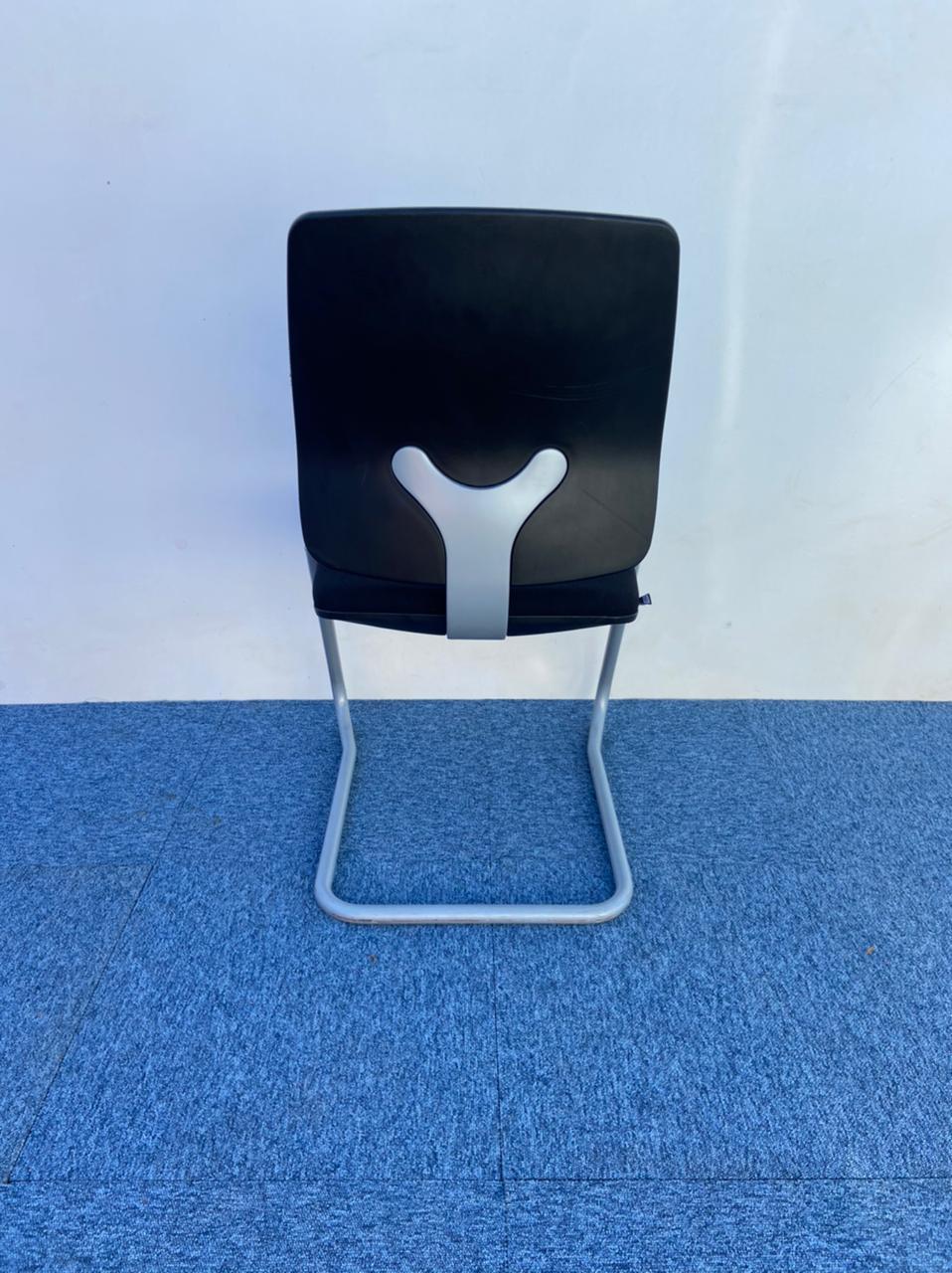 Chaise visiteur accueil luge Sedus tissus