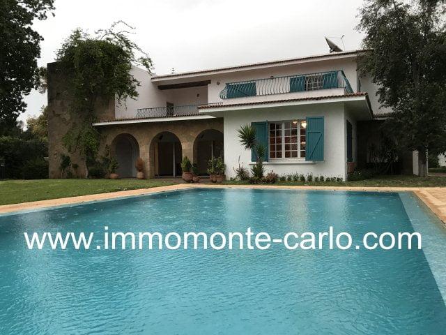 Superbe villa avec piscine à louer au quartier  Souissi Rabat