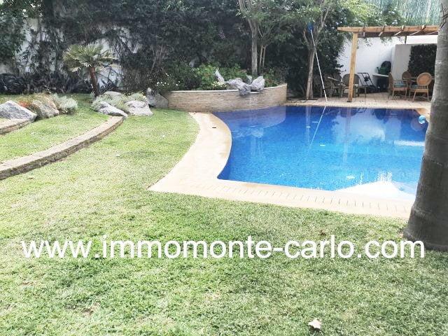 Superbe villa moderne avec piscine à louer à Souissi Rabat