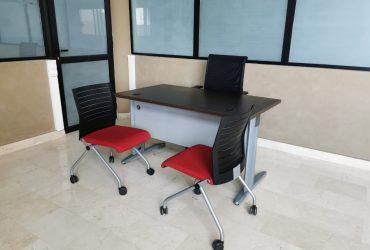 Bureau chaise roulette Netwin et visiteur Steelcase