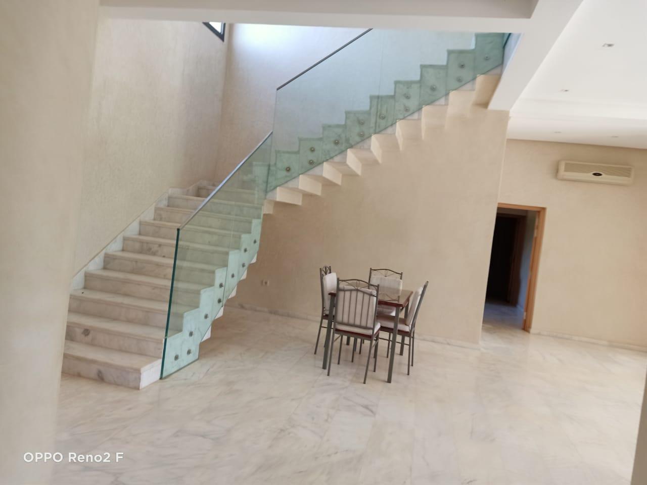 villa sur 2000m² en location à la route de l'ourika
