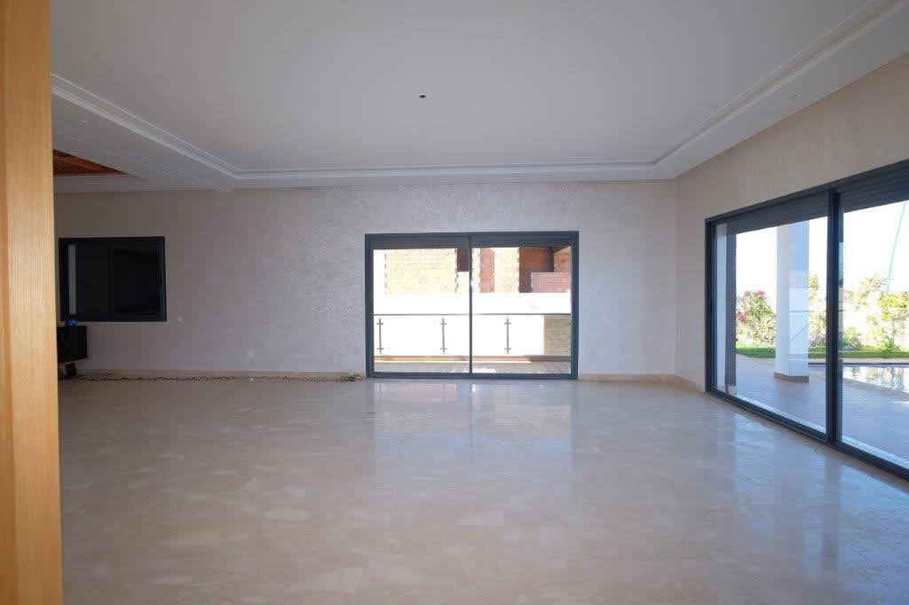 Villa de 650m2 RTE AZZEMOUR à Darbouazza