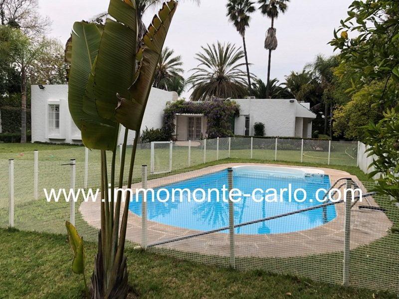 Très belle villa avec piscine et chauffage central à Souissi Rabat