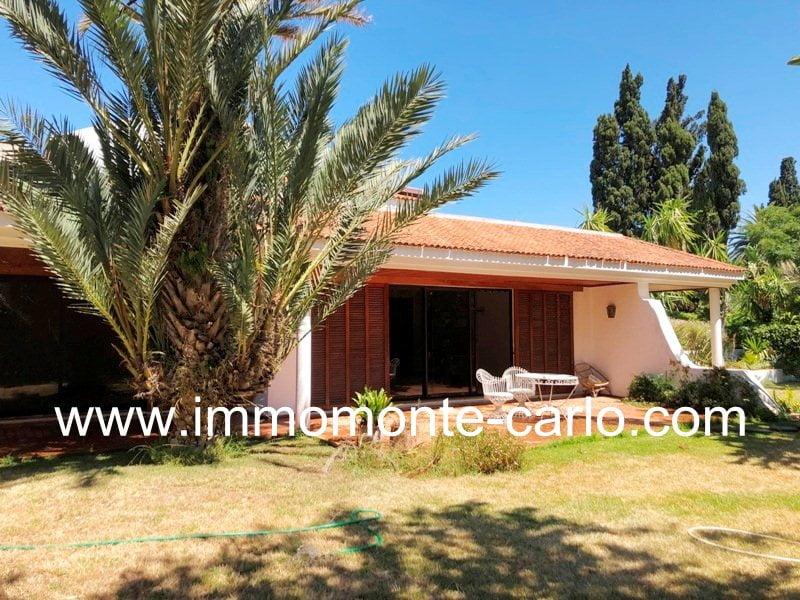 Superbe villa avec piscine jardin et chauffage central à Souissi Rabat