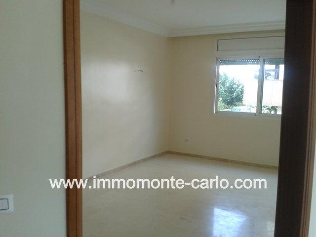 Location Appartement  de standing avec terrasse à Hay Riad Rabat