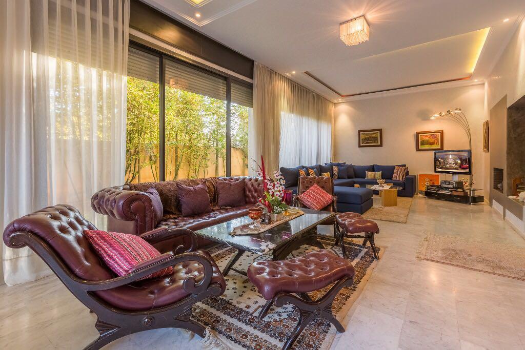 villa de 517m² en vente à Targa