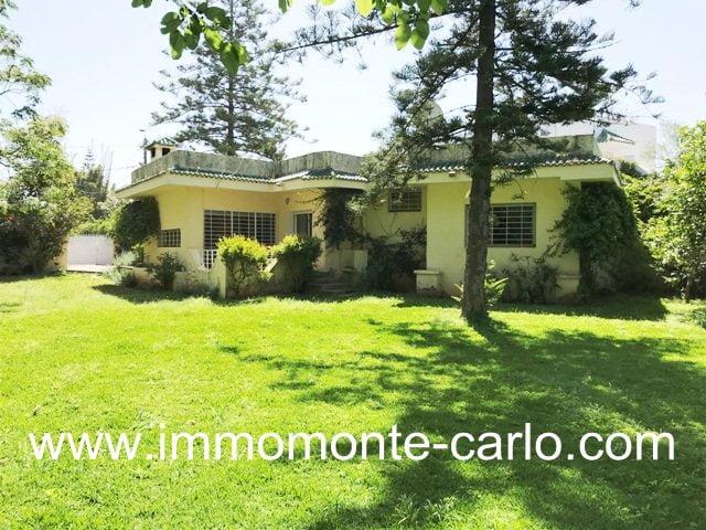 Villa avec grand jardin à louer à Souissi RABAT