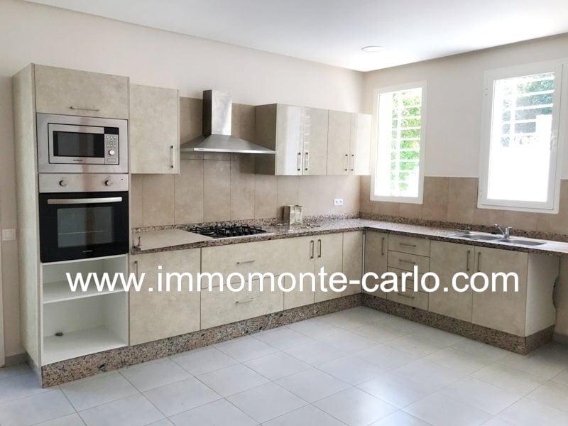 Villa neuve style moderne en location à Souissi Rabat