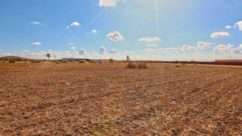 un terrain d'un 1HA en vente Sur la route de l'ourika