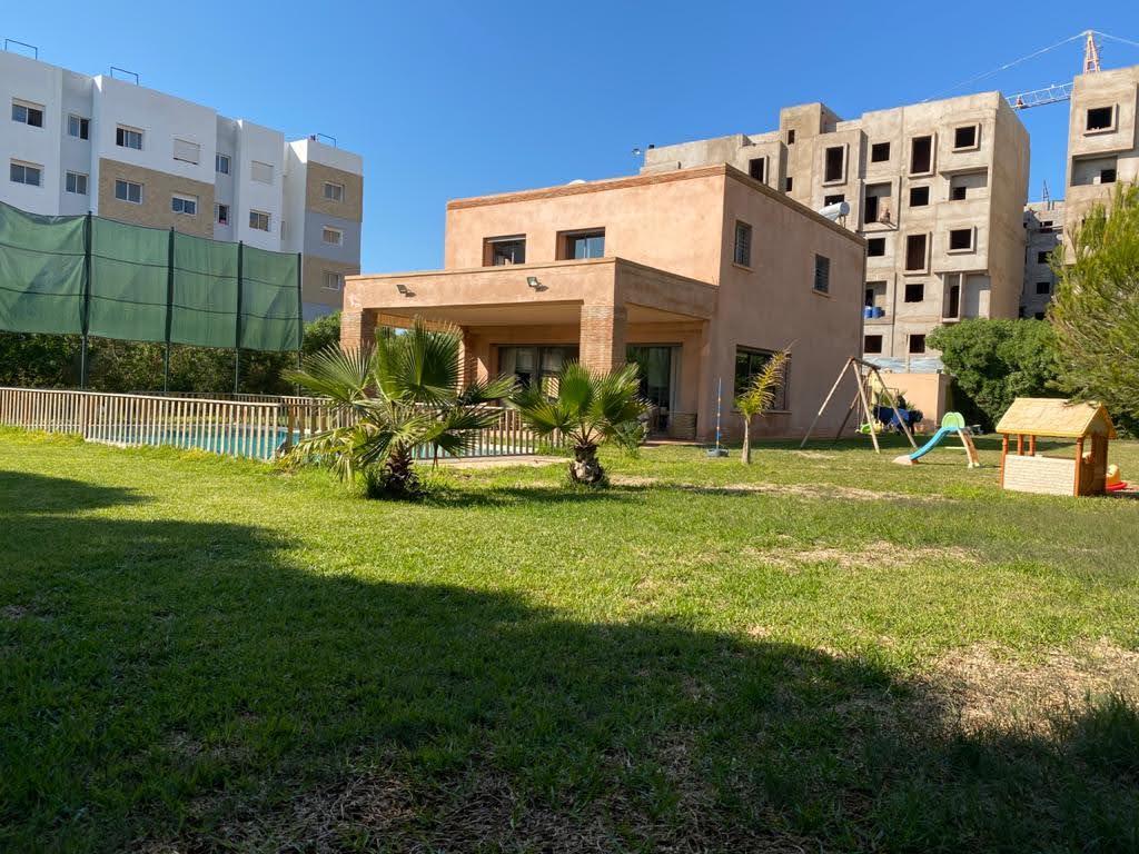 Villa de 2127m² à Darbouazza