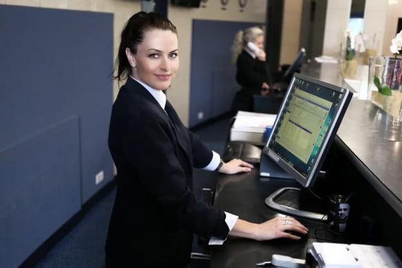 hôtesse d'accueil et standardiste en urgence
