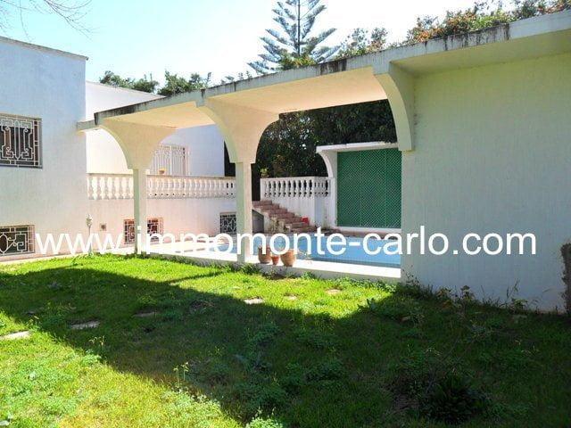 A louer villa avec piscine et chauffage central Souissi RABAT