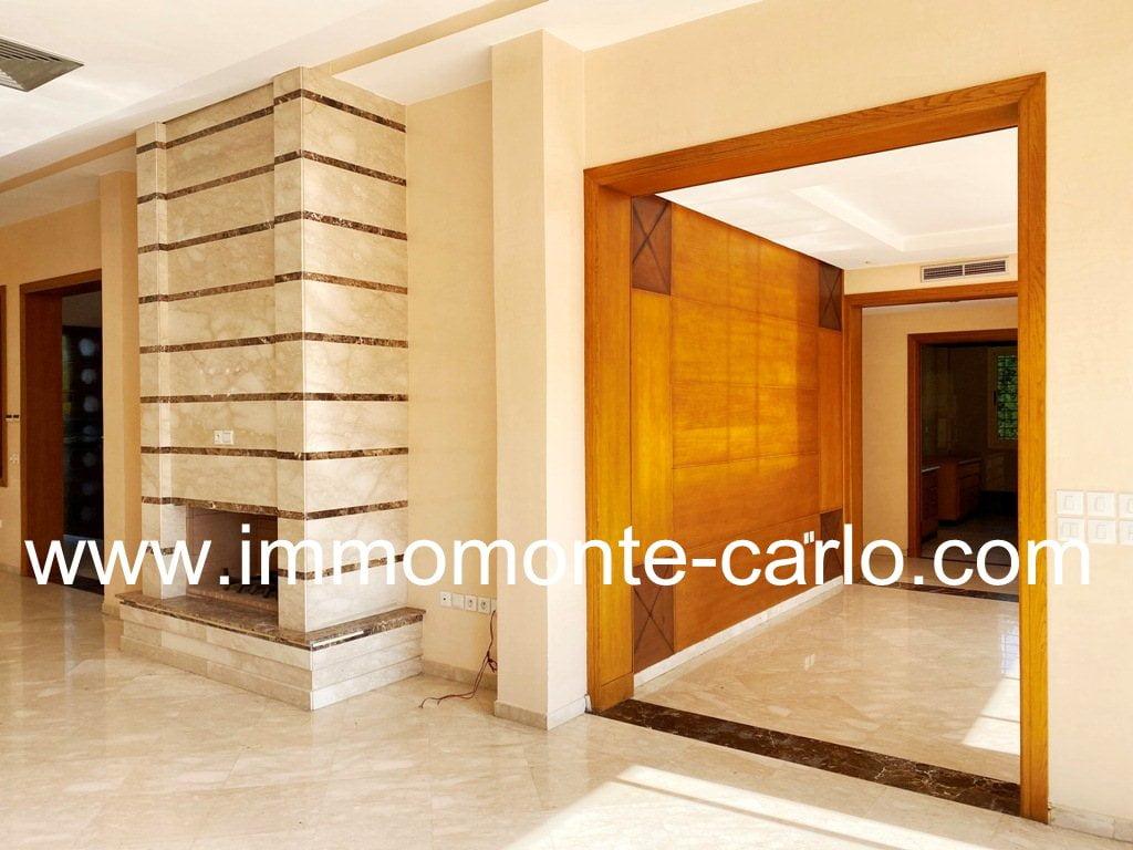 Location d'une villa d'architecte avec piscine à Souissi Bir Kacem
