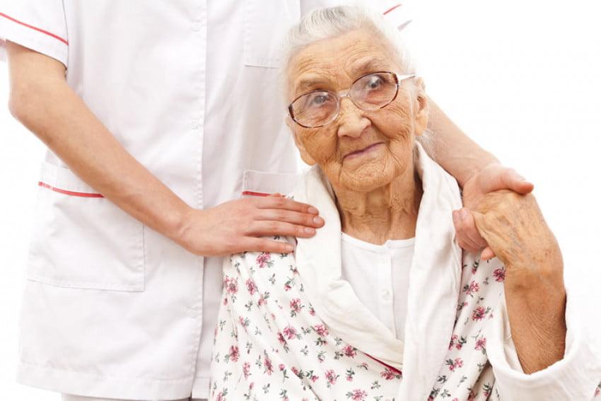 Assistante personnes agées Alzheimer