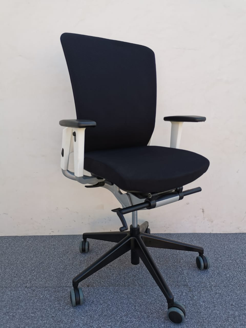 Chaise à roulette Eurosit ergonomique