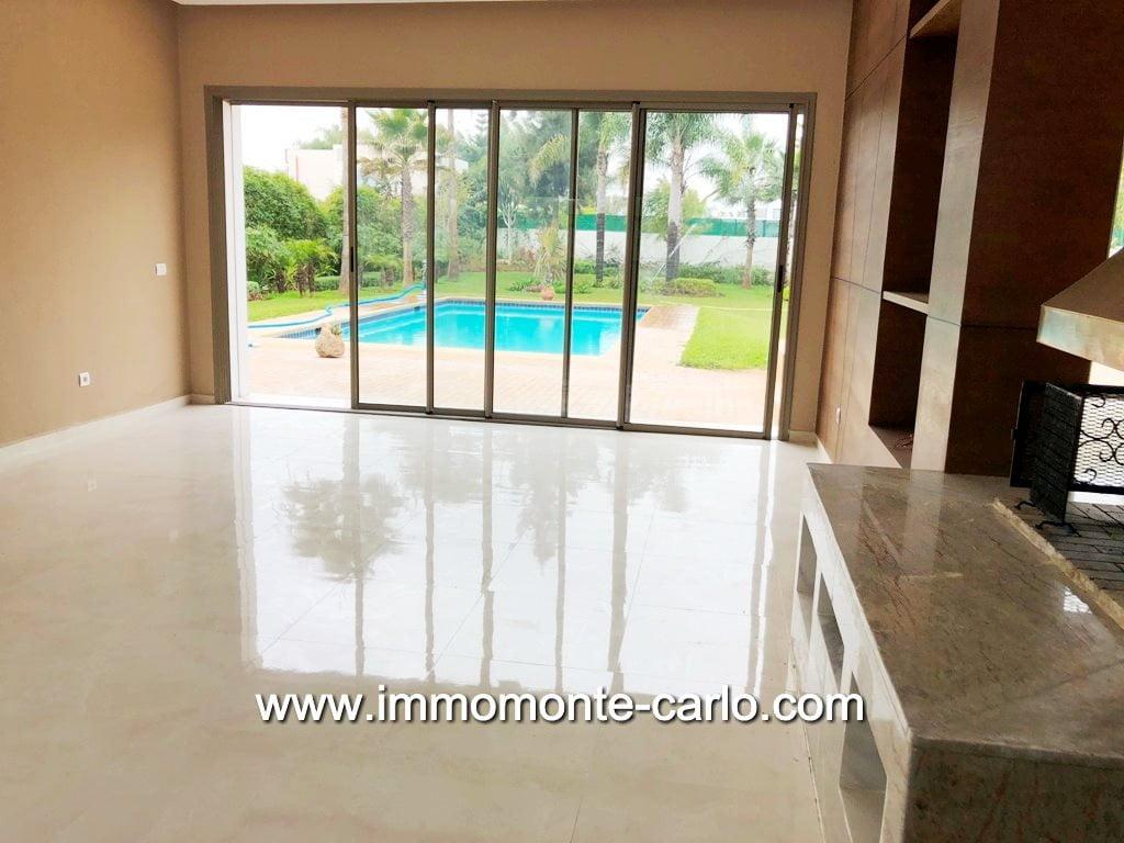 Villa neuve avec piscine à louer à Souissi RABAT