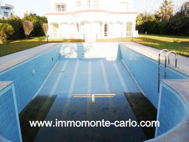 Location villa avec piscine à Souissi RABAT