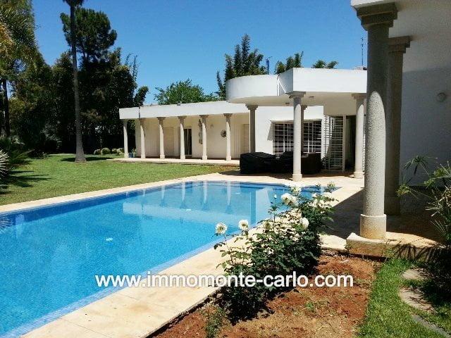 Belle villa en location avec piscine au quartier Souissi