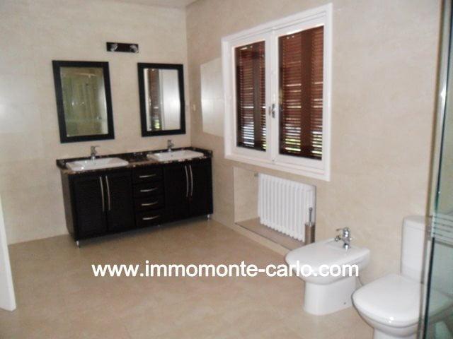 Location villa avec chauffage central à  Souissi Rabat