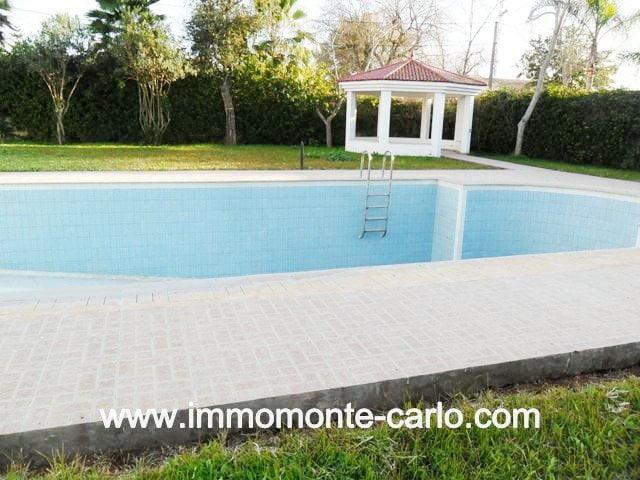 Location villa avec piscine au  quartier Souissi RABAT