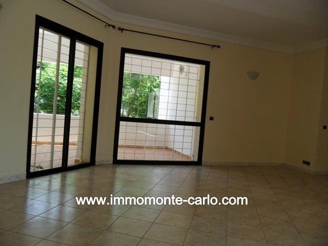 Location villa avec piscine et chauffage central à Hay Riad