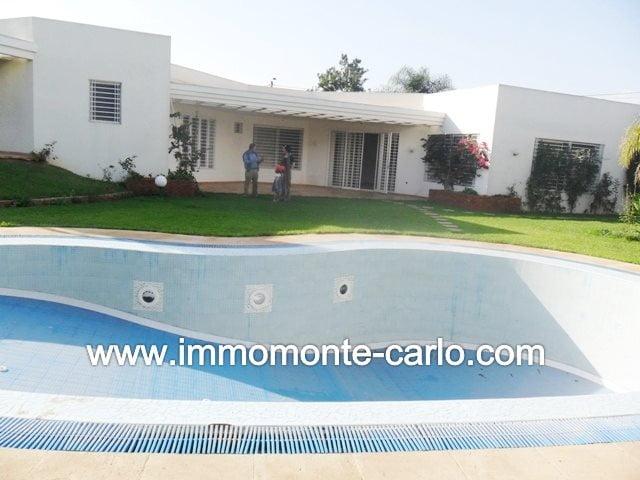 location d'une villa avec chauffage et piscine à Souissi